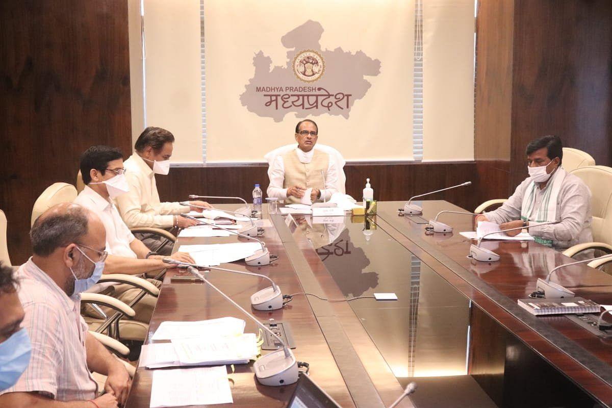 CM ने रीवा में सीवरेज स्कीम में देरी पर दोषी एजेंसी टर्मिनेट करने के दिए निर्देश
