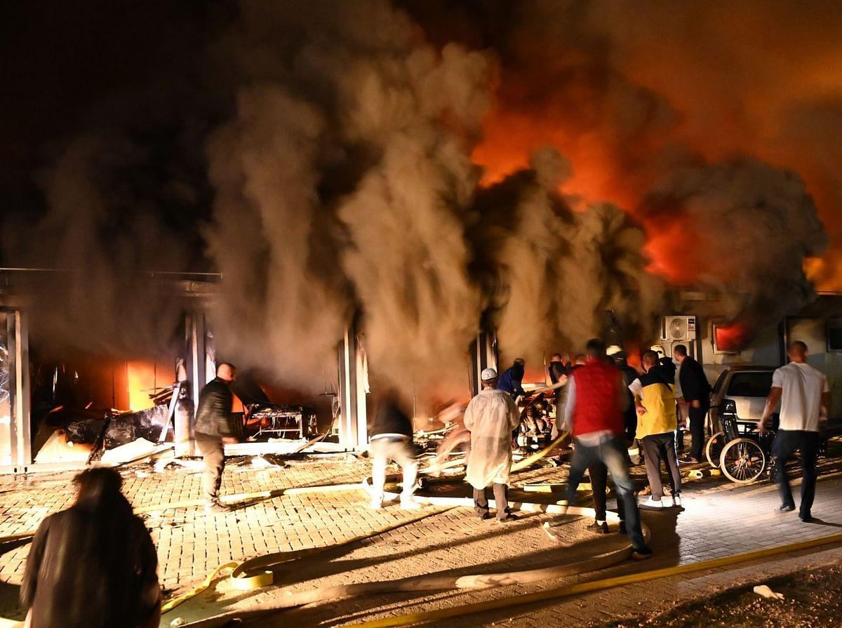 नॉर्थ मेसेडोनिया में कोरोना मरीजों के हॉस्पिटल में आग का हाहाकार
