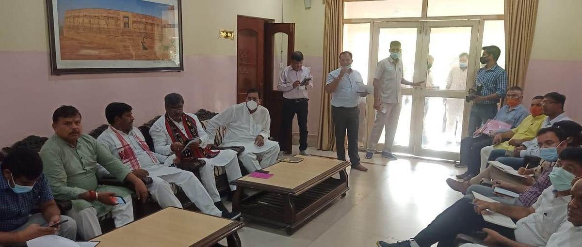 Gwalior : मंत्रीजी आखिर कितनी बार सड़क रिपेयरिंग के आदेश दोगे
