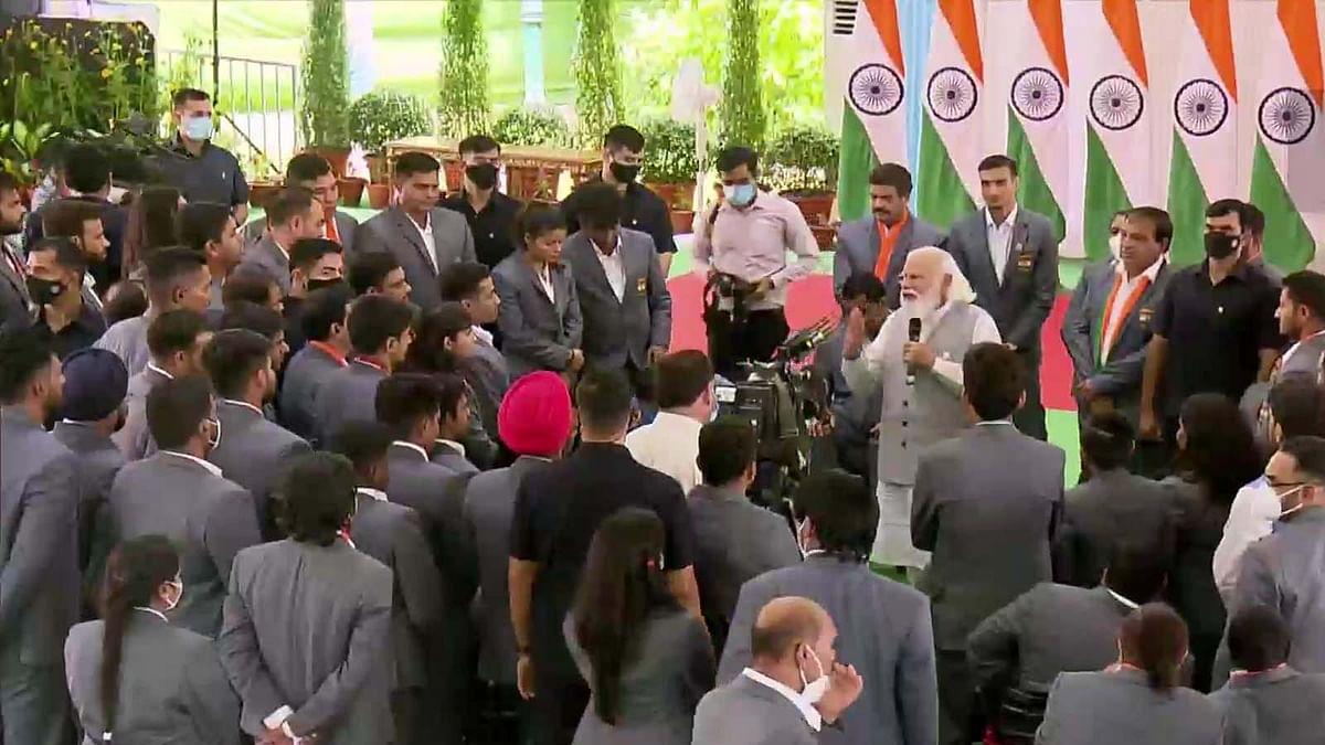 Paralympic चैंपियन खिलाड़ियों से PM मोदी का संवाद, जानें क्या हुई बातचीत