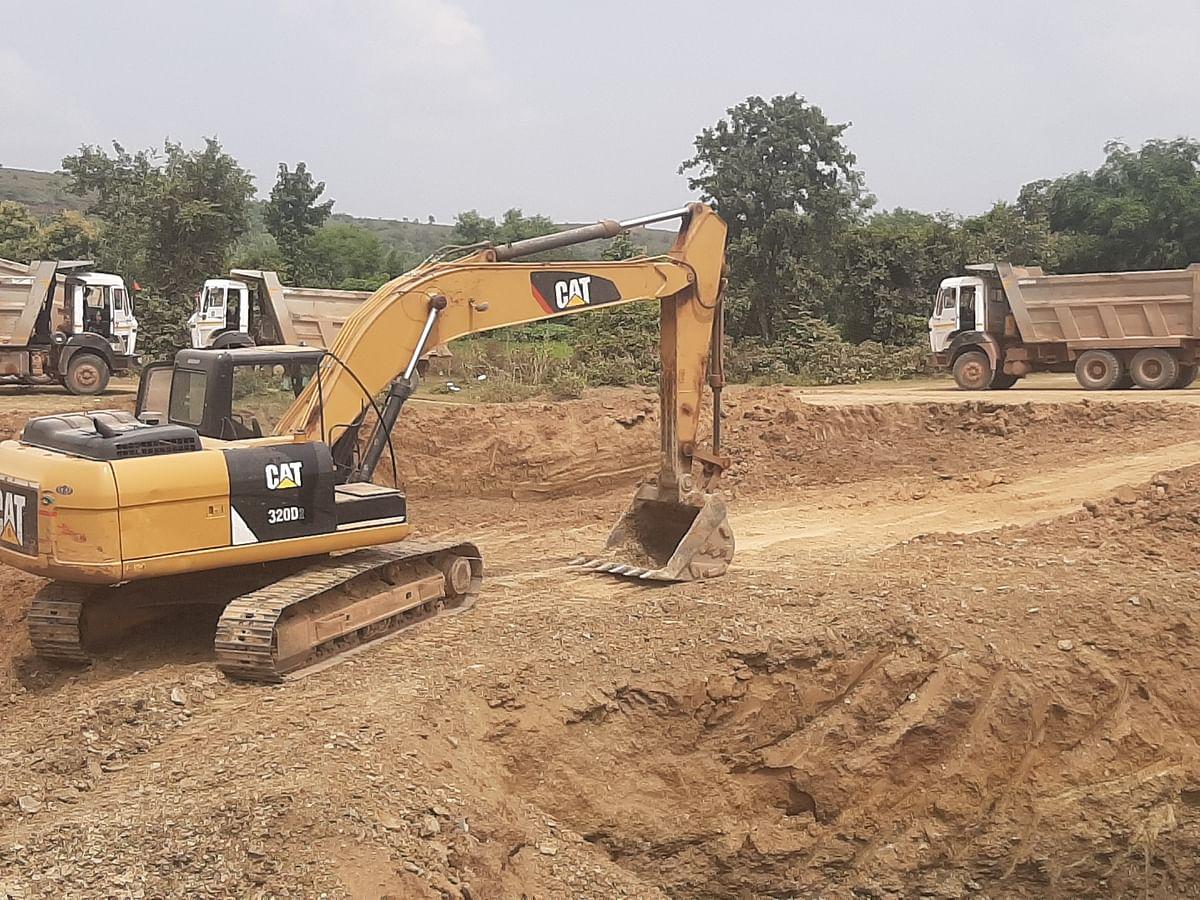 Damoh : सड़क निर्माण के मामले में संदिग्ध नजर आ रही राजस्व एवं खनिज विभाग की भूमिका