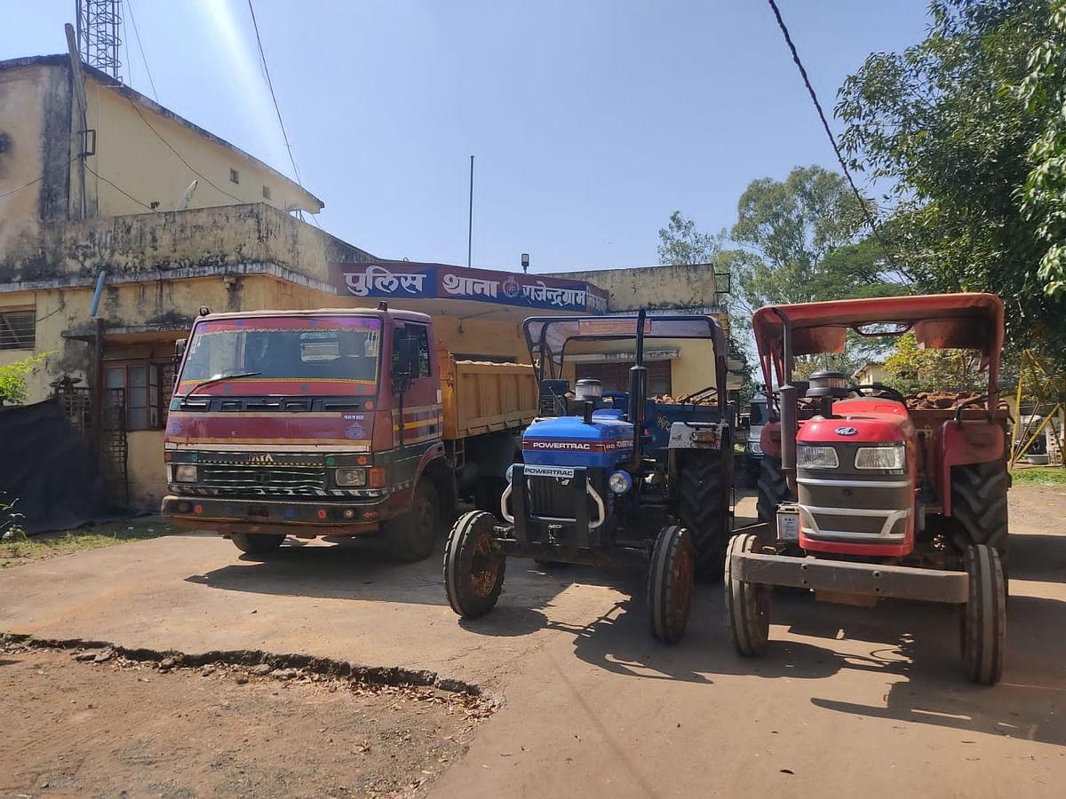 Anuppur : अवैध रेत उत्खनन के विरुद्ध अनूपपुर पुलिस की प्रभावी कार्यवाही