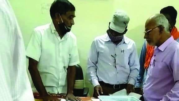 Anuppur : पूर्व अध्यक्ष ने 127 सदस्यों को अऋणी से कराया ऋणी पात्र