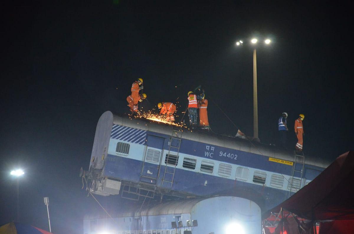 Jabalpur : इटारसी पहुंचकर डीआरएम ने स्टेशन का किया निरीक्षण