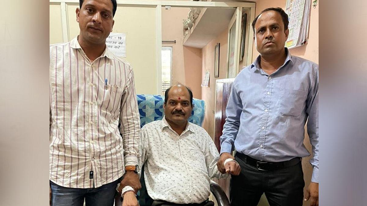 Dewas: लोकायुक्त ने अकाउंटेंट को 20 हजार रुपये की रिश्वत लेते हुए पकड़ा