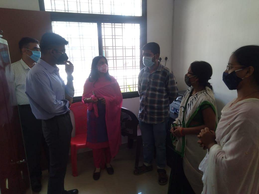 Anuppur : पुलिस अधीक्षक द्वारा किया गया वन स्टॉप सेन्टर का भ्रमण