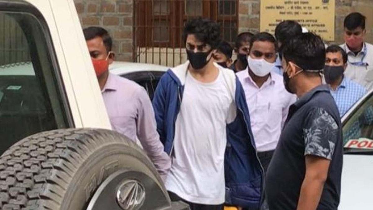 आर्यन खान की जमानत पर आज भी जारी रहेगी सुनवाई, आरोपियों की कोविड रिपोर्ट आई नेगेटिव