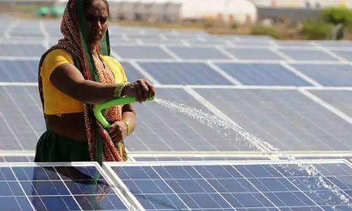 चीन में चल रही बिजली की समस्या का असर अब भारत में नजर आने लगा