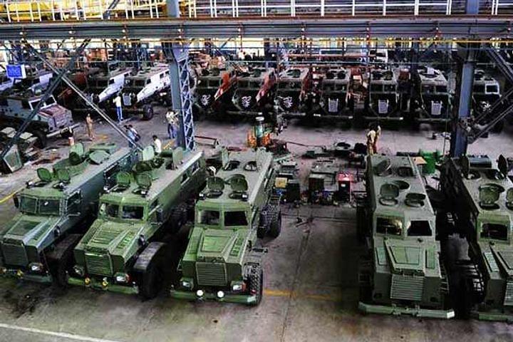 देश की सात रक्षा कंपनियां सैनिकों के लिए तैयार करेंगी पिस्टल से लेकर फाइटर प्लेन