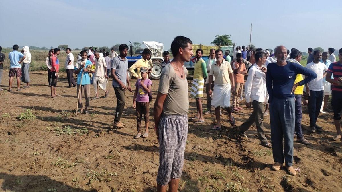 ग्वालियर: खेत पर काम कर रहे दो युवकों की करंट लगने से हुई मौत, पसरा मातम