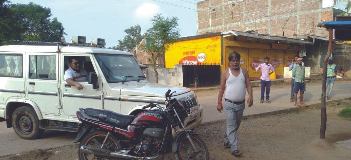 Manpur : रेत माफियाओं ने तहसीलदार के आगे रेत से लदे वाहन को कराया फरार