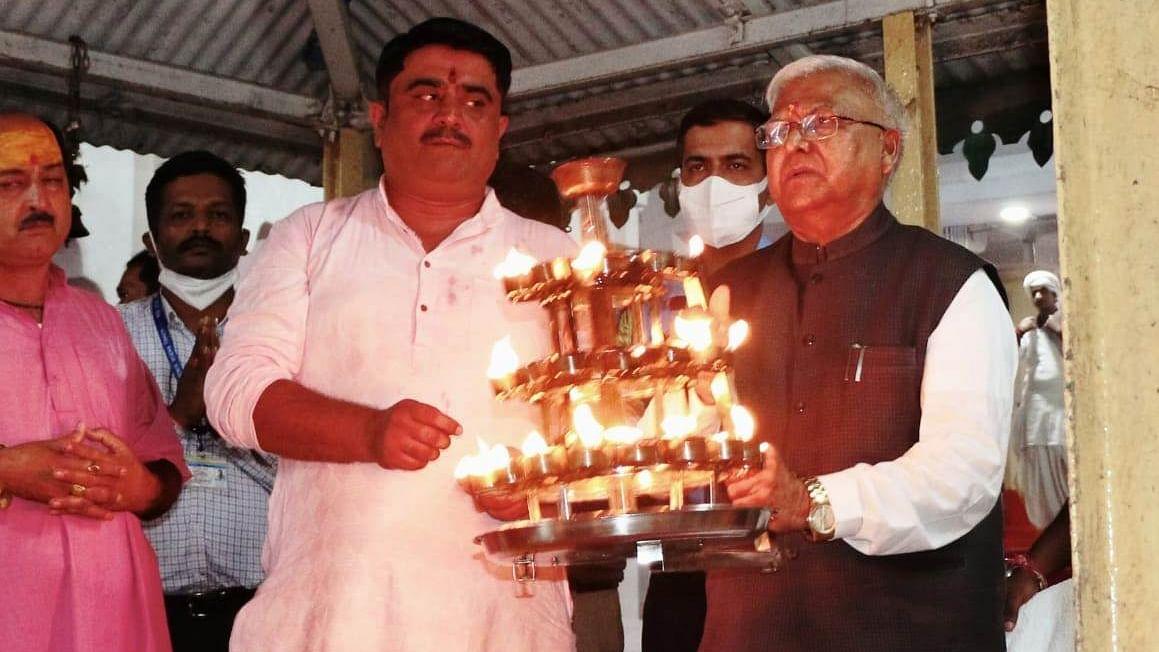 महामहिम ने नर्मदा उद्गम मंदिर में प्रदेश के नागरिकों की सुख-समृद्धि के लिए की पूजा
