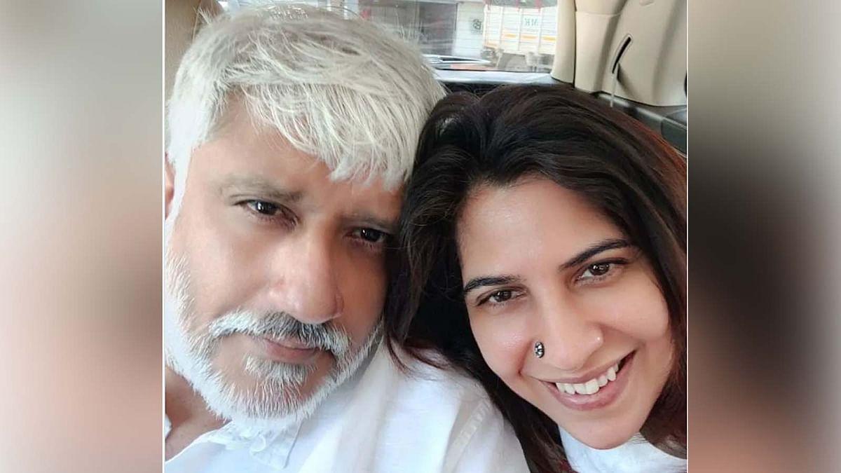 डायरेक्टर विक्रम भट्ट ने चुपके से कर ली दूसरी शादी, पत्नी के साथ वायरल हुई ये तस्वीर