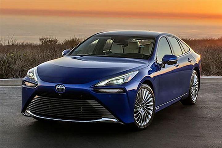 Toyota की 'Mirai' ने दर्ज कराया गिनीज वर्ल्ड रिकॉर्ड में अपना नाम