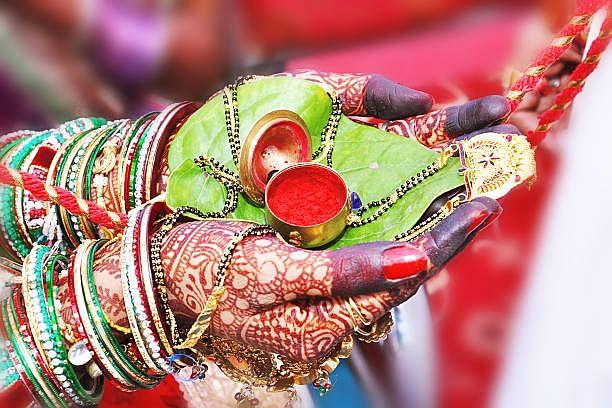 Durga Puja: बंगाल सरकार ने बताया अब कैसे होबे सिंदूर खेला, दूसरे साल भी रहेगी सख्ती