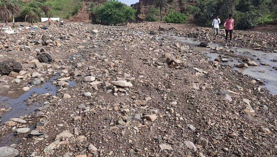 शेतकऱ्यांनी मांडल्या सरकार दरबारी व्यथा! पिक नुकसान भरपाईची मागणी