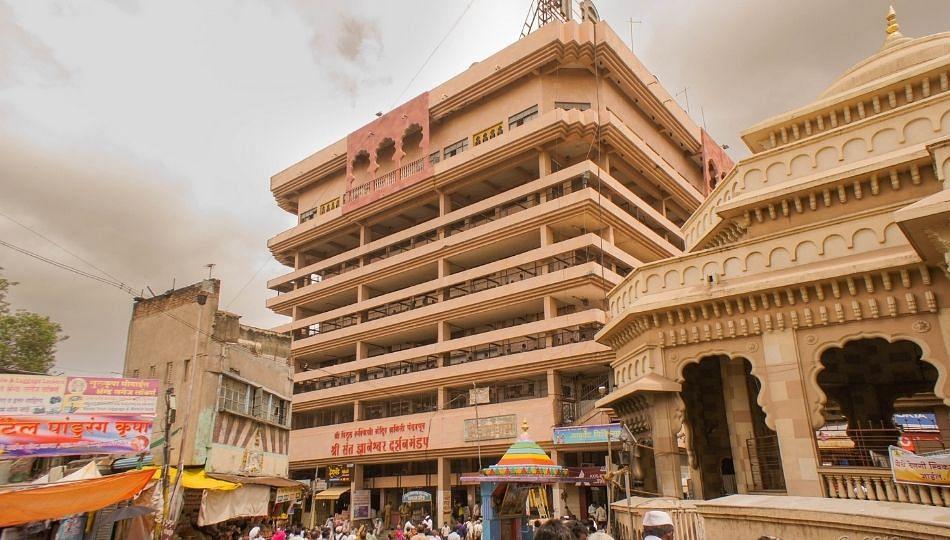 विठ्ठल रुक्मिणी मंदिर सुधारणेसाठी 55 कोटींचा खर्च