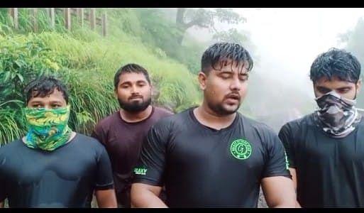 दरड कोसळल्याने माथेरानला अडकलेल्या मुंबईकर पर्यटकांची सुटका