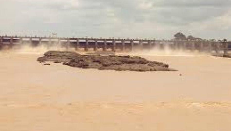तापी नदी पात्राजवळील गावांना सतर्कतेचा इशारा; धुळे जिल्हाधिकारी यांचे आवाहन