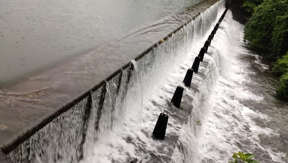मुंबईला पाणीपुरवठा करणारा सर्वात लहान तुळशी तलाव तुडुंब भरला