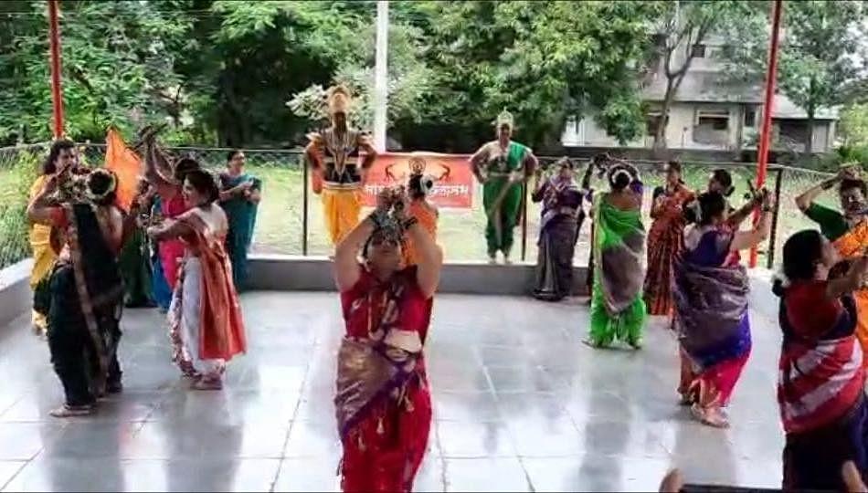 लेझीम, योगा, नृत्यातून महिलांनी लुटला विठ्ठल भक्तीचा आनंद