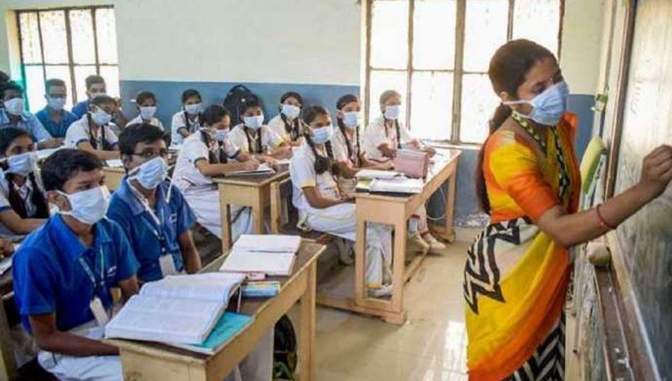 बुलढाणा जिल्ह्यातील 910 शाळांपैकी 316 शाळांमध्ये उघडली पुस्तके