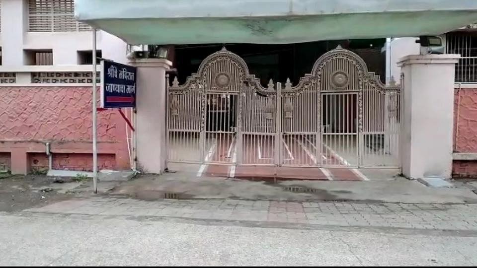 उघड दार देवा आता! गजानन महाराज मंदिर परिसरात भाविकांची मागणी