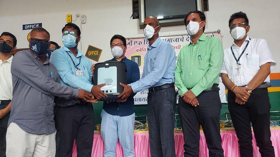 Good News:वसमत येथील शिक्षकांच्या पुढाकारातून ११ ऑक्सिजन कॉन्सट्रेटरची मदत
