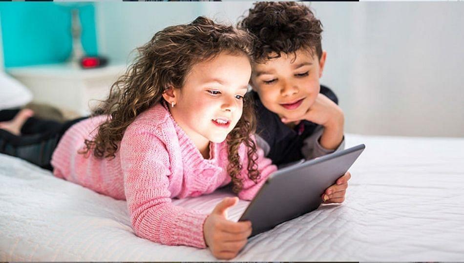 'स्क्रीनटाइम' न पाळल्याने मुले बनताय चिडखोर; मोबाईल, टीव्हीचा परिणाम