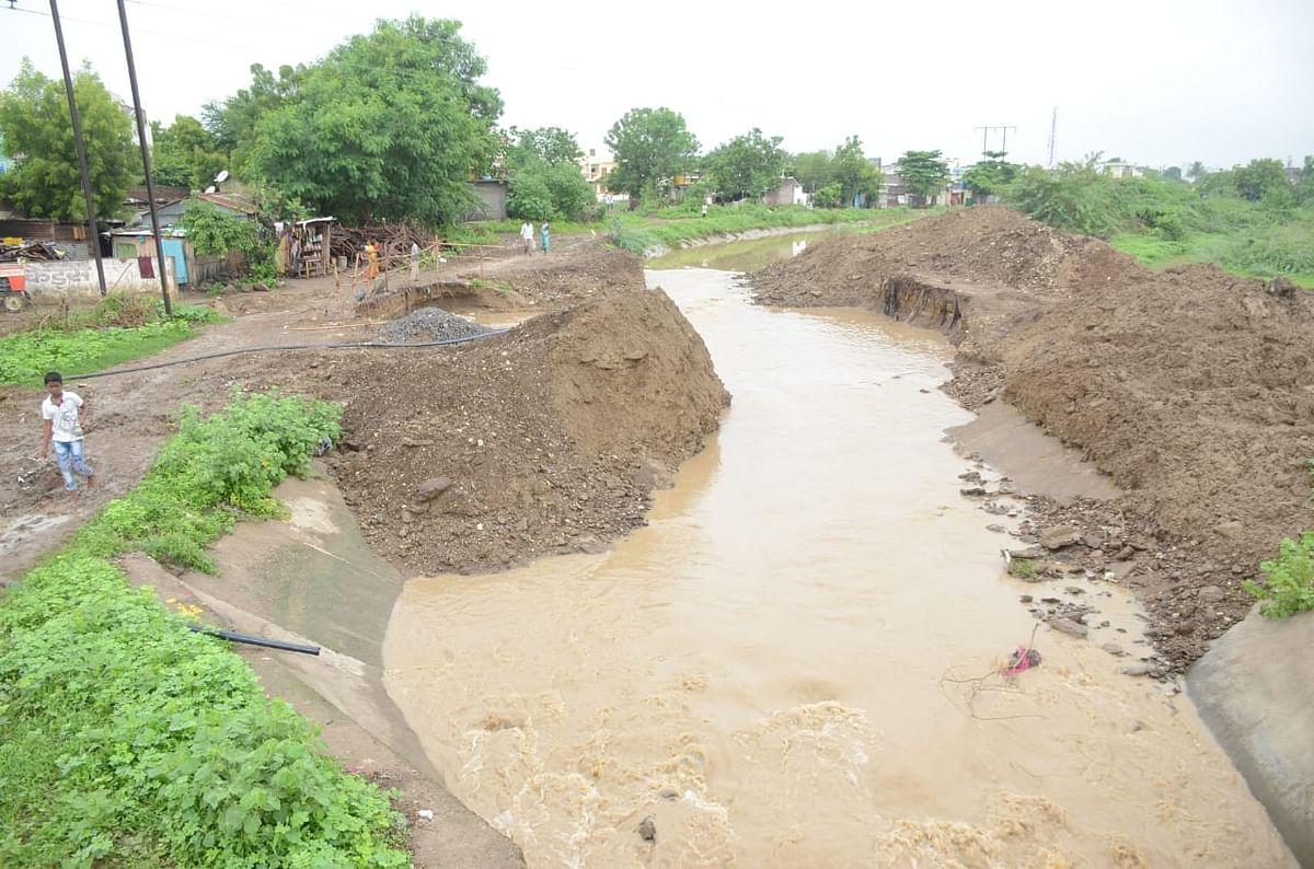 परभणीत सर्व कॉलन्या जलमय; दुकानांत पाणी शिरुन कोट्यावधींचे नुकसान