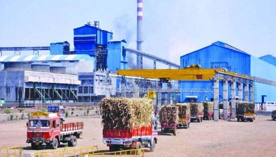 57 सहकारी साखर कारखान्यांच्या कर्जाची परतफेड राज्य सरकार करणार?