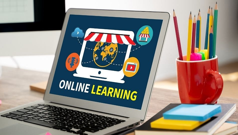 ऑनलाइन शिक्षणाचे धडे गिरवताना पॉर्न व्हिडिओ सुरु; पुण्यातील धक्कादायक प्रकार
