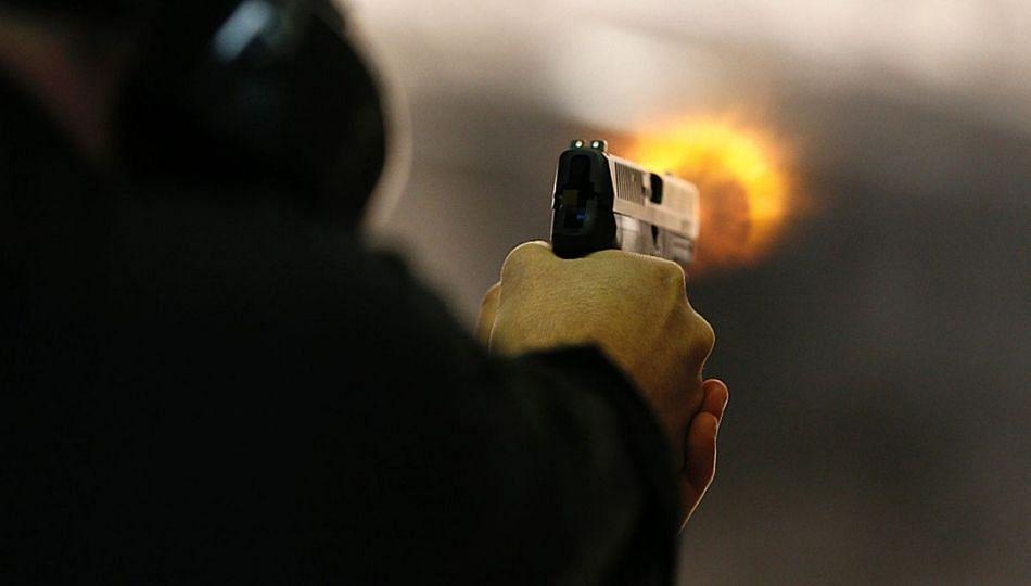 कोथरूड येथील मेट्रोशेडमध्ये एकावर गोळीबार