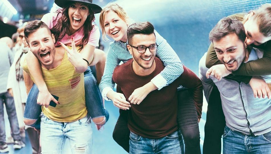 अमेरिकेत तरुणपिढी कोरोनाच्या विळख्यात! बायडन सरकारची चिंता वाढली