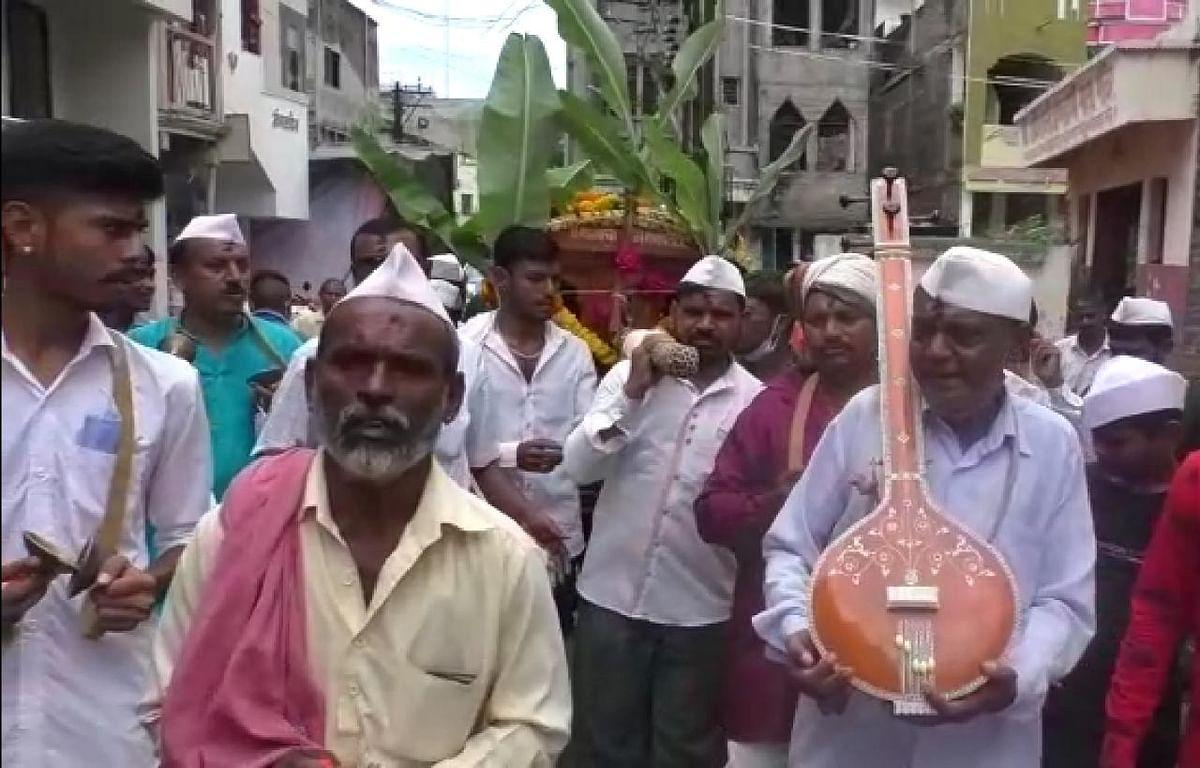 खुनी गणपतीची टाळ मृदुंगाच्या गजरात पालखी; हिंदू- मुस्लीम ऐक्याचे प्रतीक