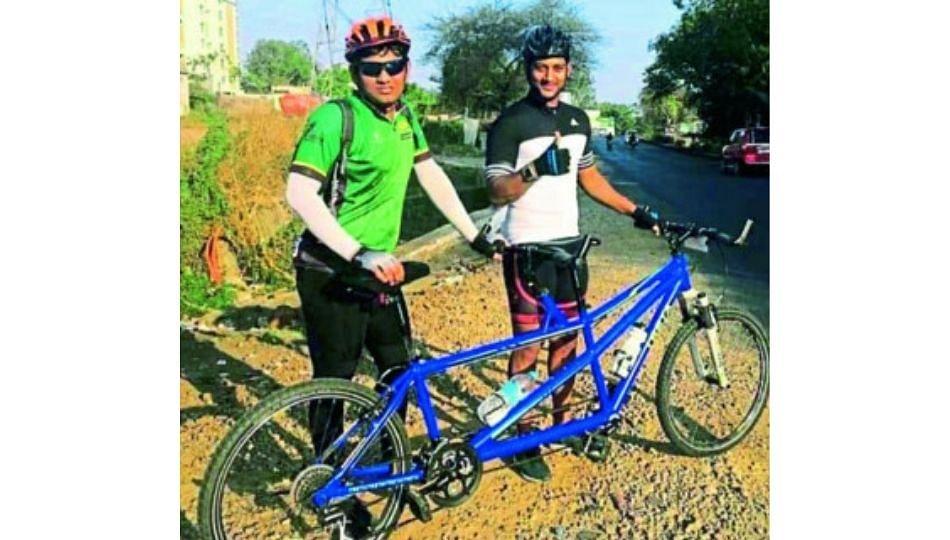 प्रज्ञाचक्षू संकेतची हिमालय सायकलसवारी