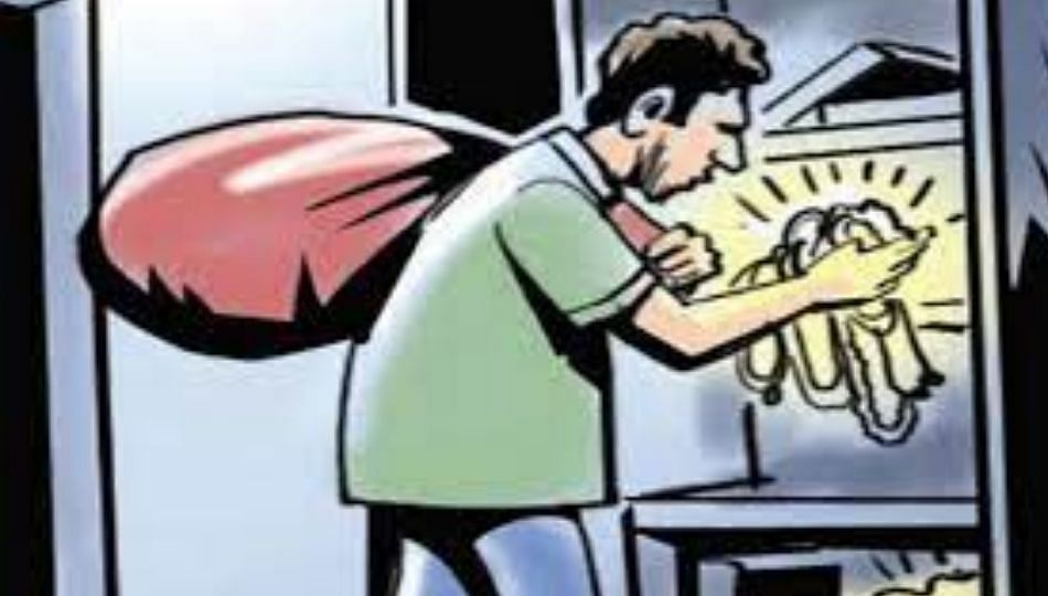 जिंतूर शहरात पुन्हा धाडसी चोरी; सव्वा आठ लाख रुपयांचा माल लंपास