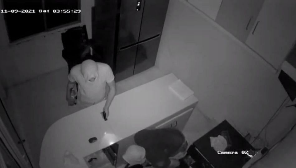 दौंड: मेडीकलमध्ये चोरी, १ लाख ४५ हजार रूपयांची रोकड लंपास