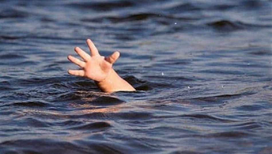 काळाने घातला घात! देवीच्या दर्शनासाठी नदीतुन जाणाऱ्या भावंडाचा दुर्दैवी मृत्यू