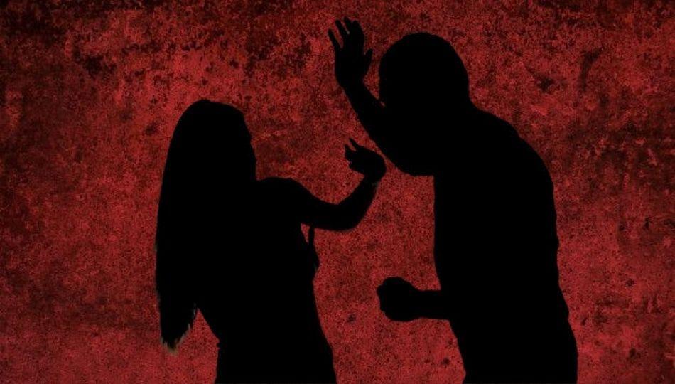 शिक्षिकेचं काळिमा फासणारं कृत्य, 15 वर्षीय मुलाशी ठेवले लैंगिक संबंध; आणि...
