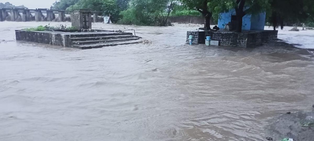 कजगाव परिसरात आठ दिवसांत दुसऱ्यांदा महापूराचा वेढा