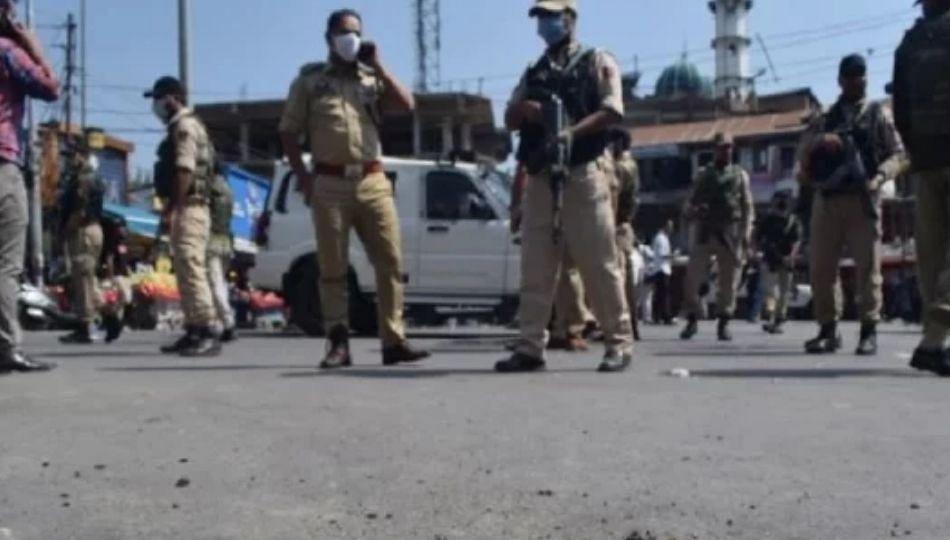 Pulwama : दहशतवाद्यांचा पुन्हा ग्रेनेड हल्ला, तीनजण जखमी