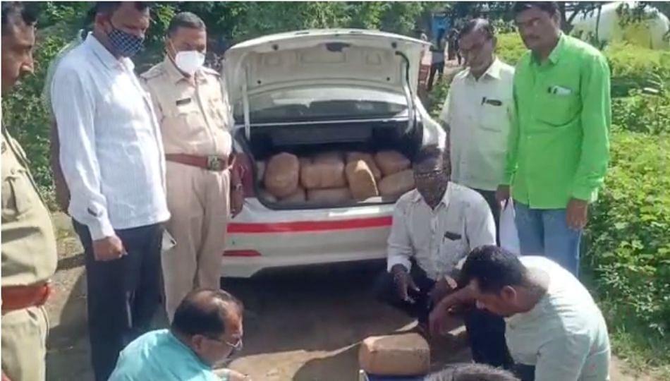 तस्करांचा थरारक पाठलाग; पोलिसांनी जप्त केला 226 किलो गांजा!