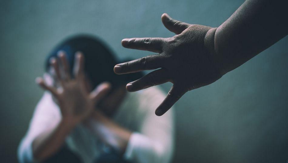 Pune : निवृत्त ACP असल्याचे सांगून शिक्षिकेवर बलात्कार; वाचा घटनेचा सविस्तर वृत्तांत