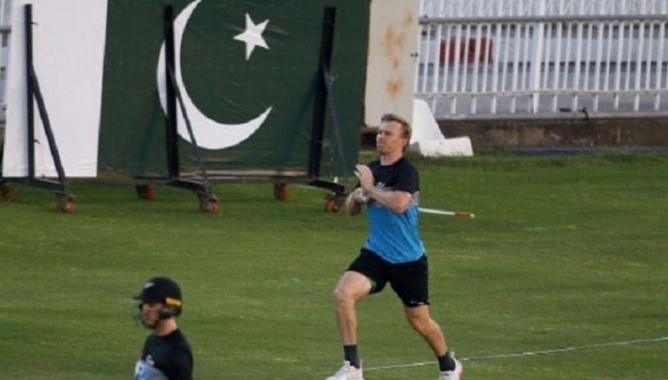 संदेश येताच नाणेफेक करण्यापूर्वी न्यूझीलंडची पाकिस्तानात माघार
