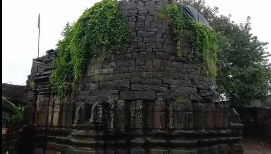 पुरातत्व विभागाच्या दुर्लक्षामुळे प्राचीन मंदिरे नष्ट होण्याच्या मार्गावर
