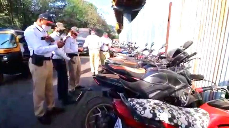 Mumbai : कल्याणमध्ये पोलिसांनी केली पोलिसांवर कारवाई!