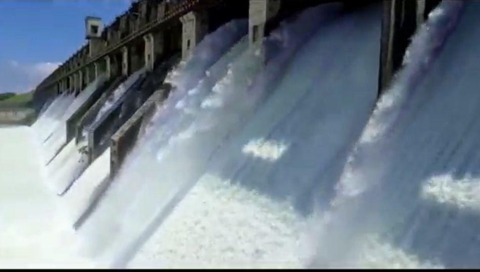 उजनी धरणातून भीमा नदी पात्रात चाळीस हजार क्युसेक पाणी सोडले...