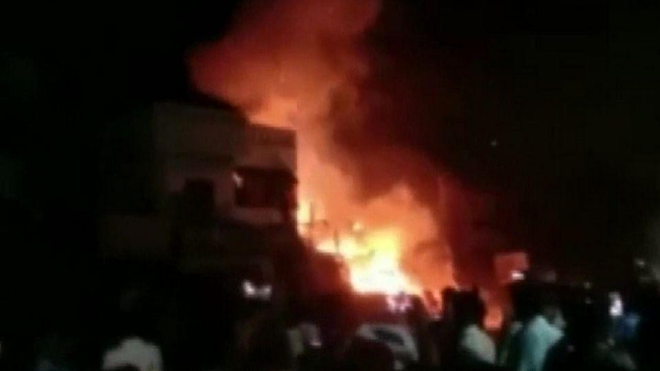 तामिळनाडू अग्नितांडव; फटाक्यांच्या गोदामाला भीषण आग, सहा जणांचा मृत्यू