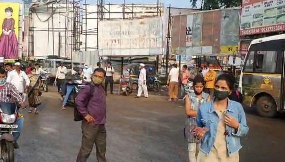 महाराष्ट्र बंदला पुण्याच्या ग्रामीण एसटी बसस्थानकात प्रवाशांची गर्दी...